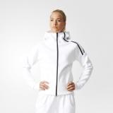 uniforme esportivo branco